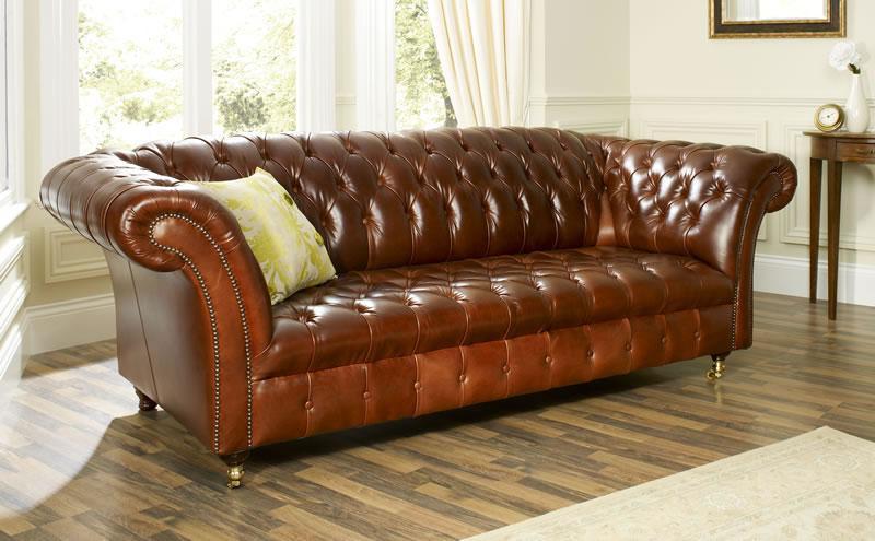 sofa em couro envelhecido chesterfield emporio dirani. Black Bedroom Furniture Sets. Home Design Ideas