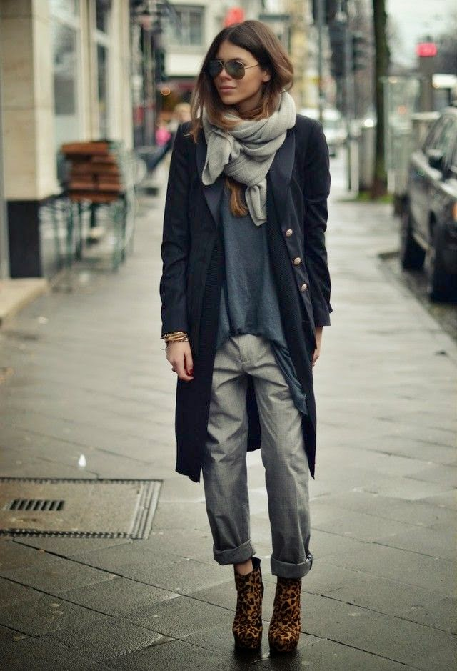 Maja wyh wearing oversized grey pants with navy blue long blazer with raybans