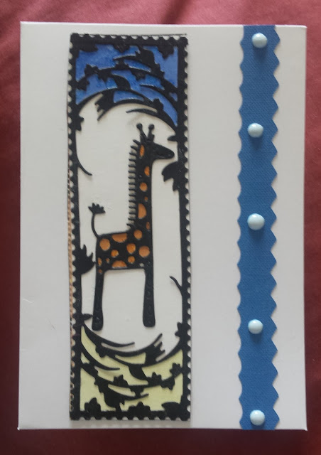 Giraffe in leafy frame - C6 white card with envelope