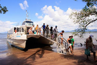 Catamarã fará passeios ao Marujá e ao Boqueirão Sul/Baía dos Golfinhos durante o feriado de páscoa