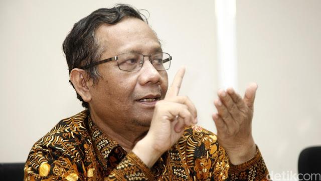 Mantab! Mahfud MD Paparkan Contoh Logis Ketidaktepatan Wacana Menag Tentang Zakat PNS