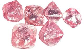 diamante vermelho bruto