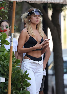 Kimberley Garner Street Style At Lunch in Miami