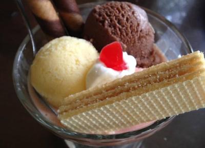 Harga es krim di toko oen Malang