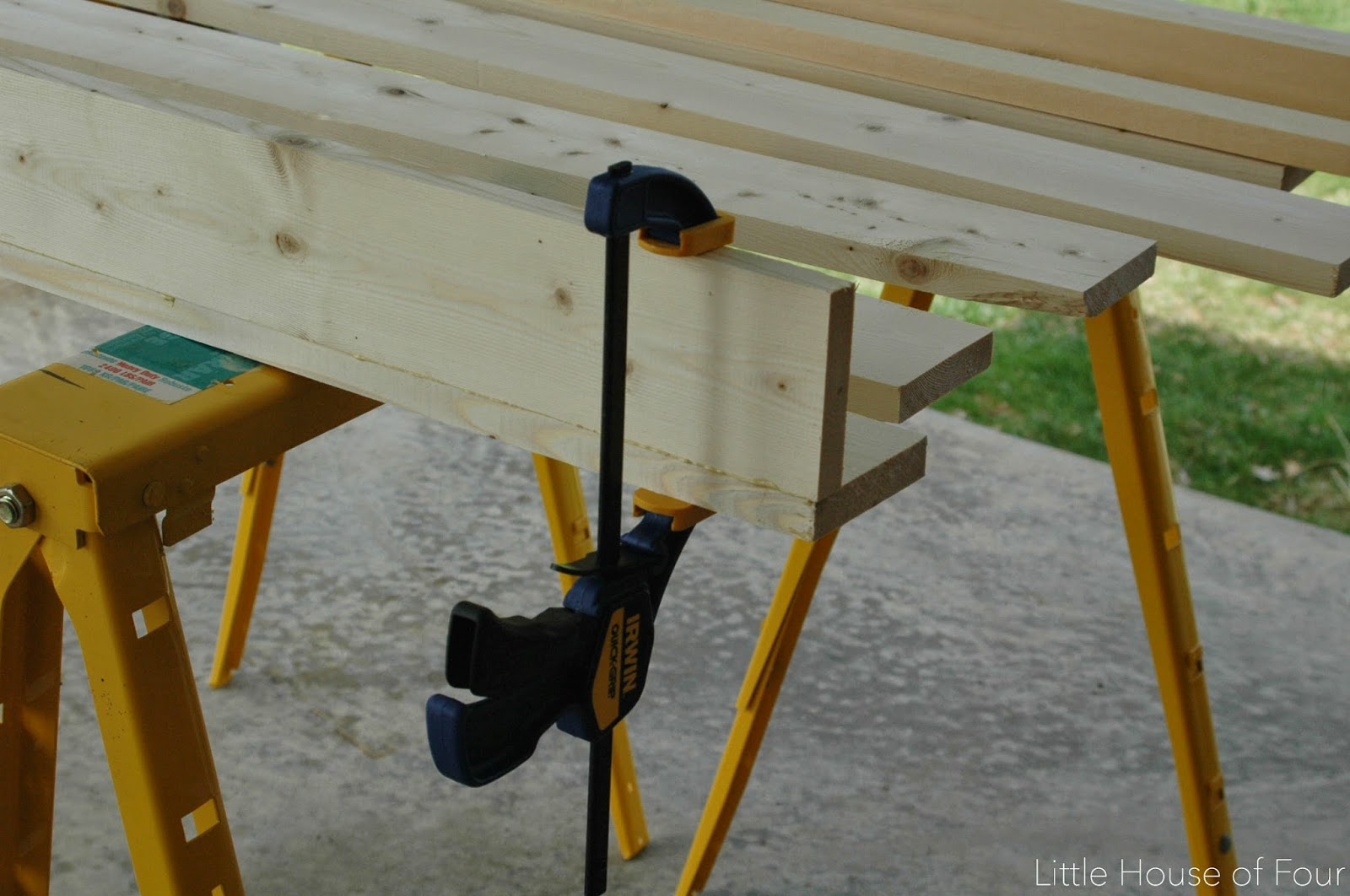 clamping diy wood bookshelves/ledges