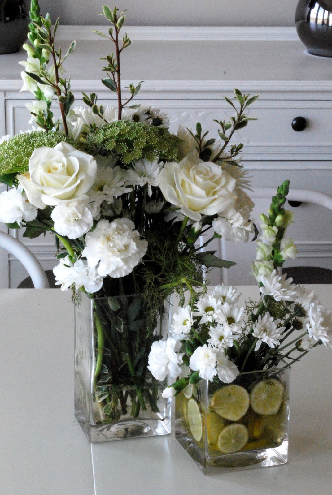 the shabby nest simple and pretty floral arrangement