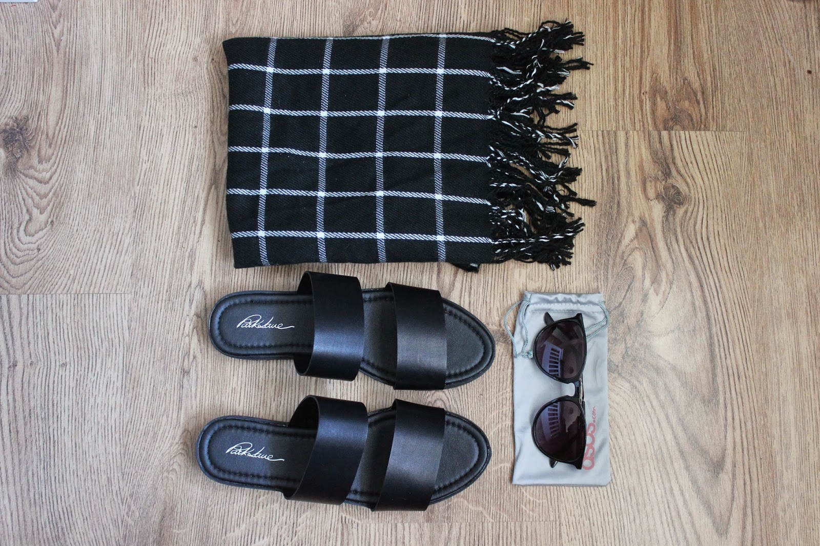 MONOCHROME FASHION - Primark Scarf/ Park Lane Sandals