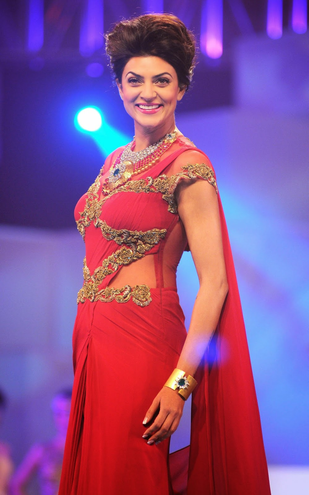 Sushmita Sen Spicy Hip Navel Photos In Red Saree