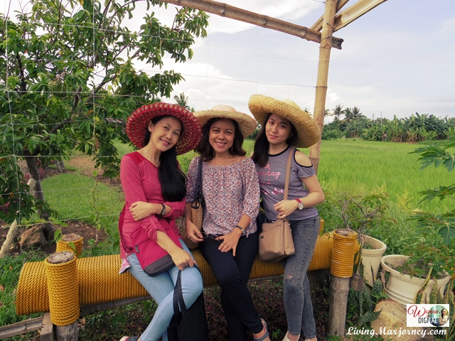 OABloggers in Sonrisa Farm, Camarines Sur