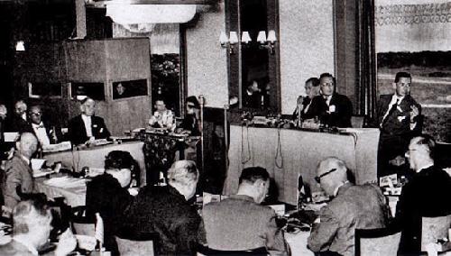 """Los """"Sumos Sacerdotes de la Globalización"""" en la primera reunión del Grupo Bilderberg en Oosterbeek, Países Bajos."""