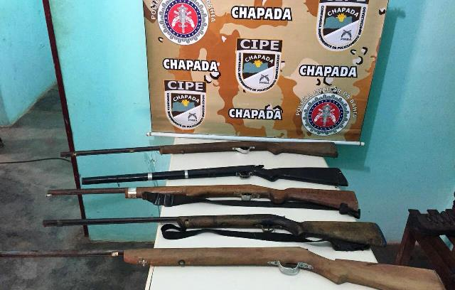 Cipe Chapada apreende armas de fogo na Zona Rural de Itaetê