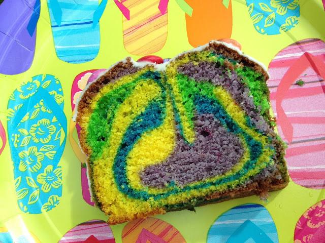 Regenbogen-Kuchen für Teenager
