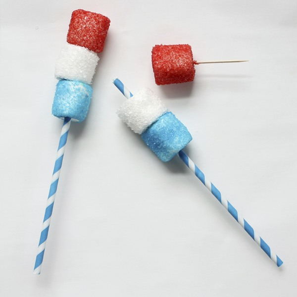 Red, White and Blue DIY Marshmallow Pops - via BirdsParty.com