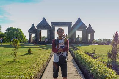 ASUS VivoBook S sebagai Teman Setia Travel Blogger barang berat