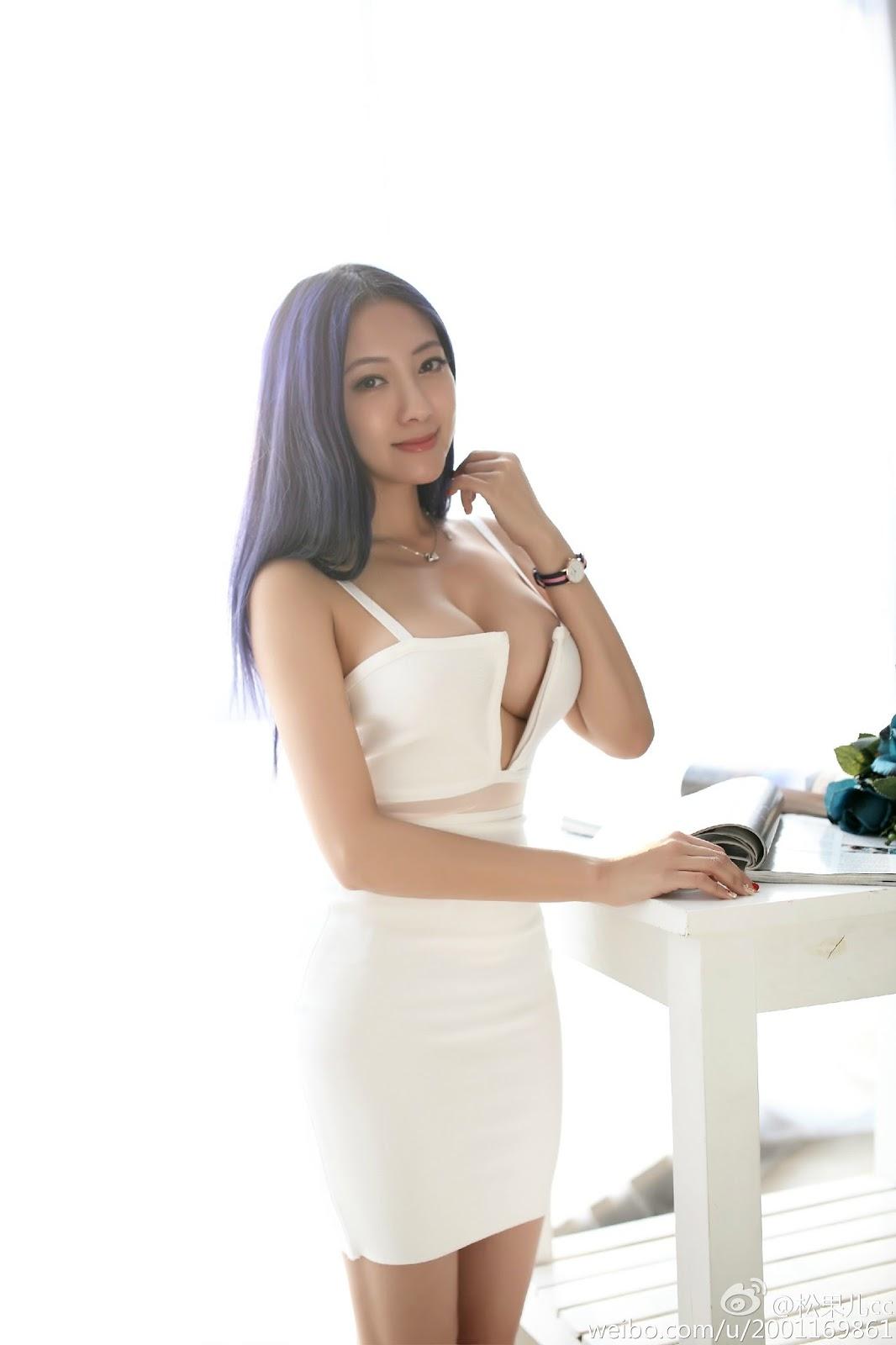 Asian Sexiest Bodies Model Song Guo Er 宋國洱 Massive Boobs Sensation