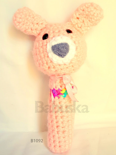 Sonajero tejido a crochet  (B1092) Babuska