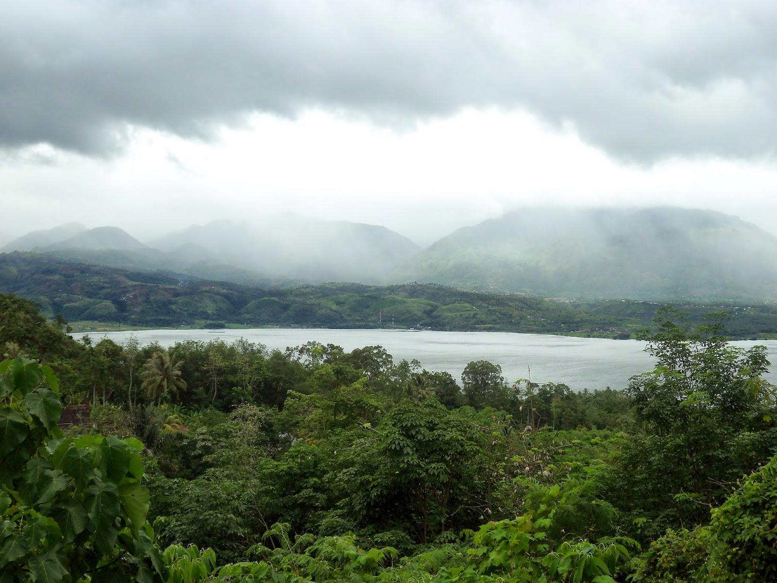 Danau singkarak dari panorama tanjung alai