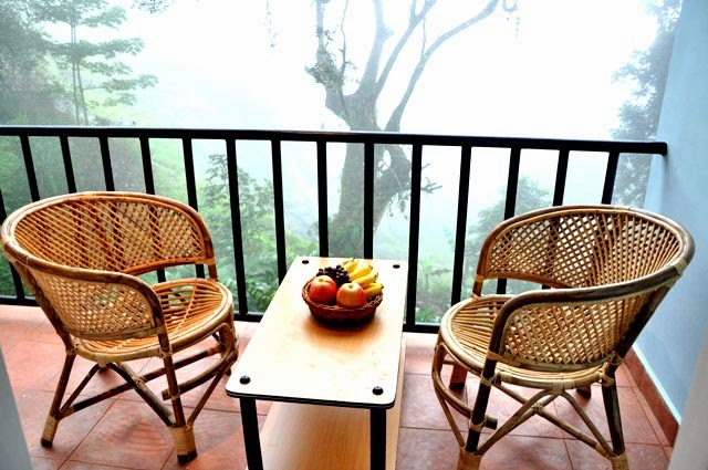 munnar resots with valley view, best deal for eagle mountian resort munnar, valley view rooms on great discounts