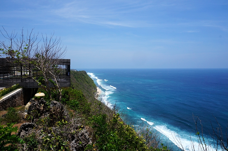 Euriental | fashion & luxury travel | Alila Villas Uluwatu, view from the private cabana at The Warung