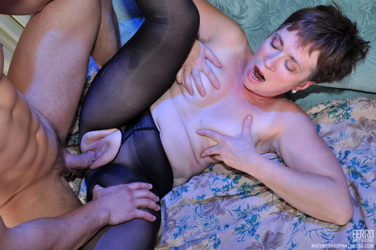 S Blog Mature Pantyhose Full 112
