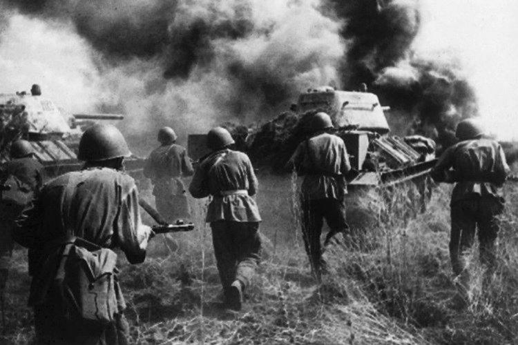 Alman tankları mayın tarlalarının arasında sıkışıp kaldı.