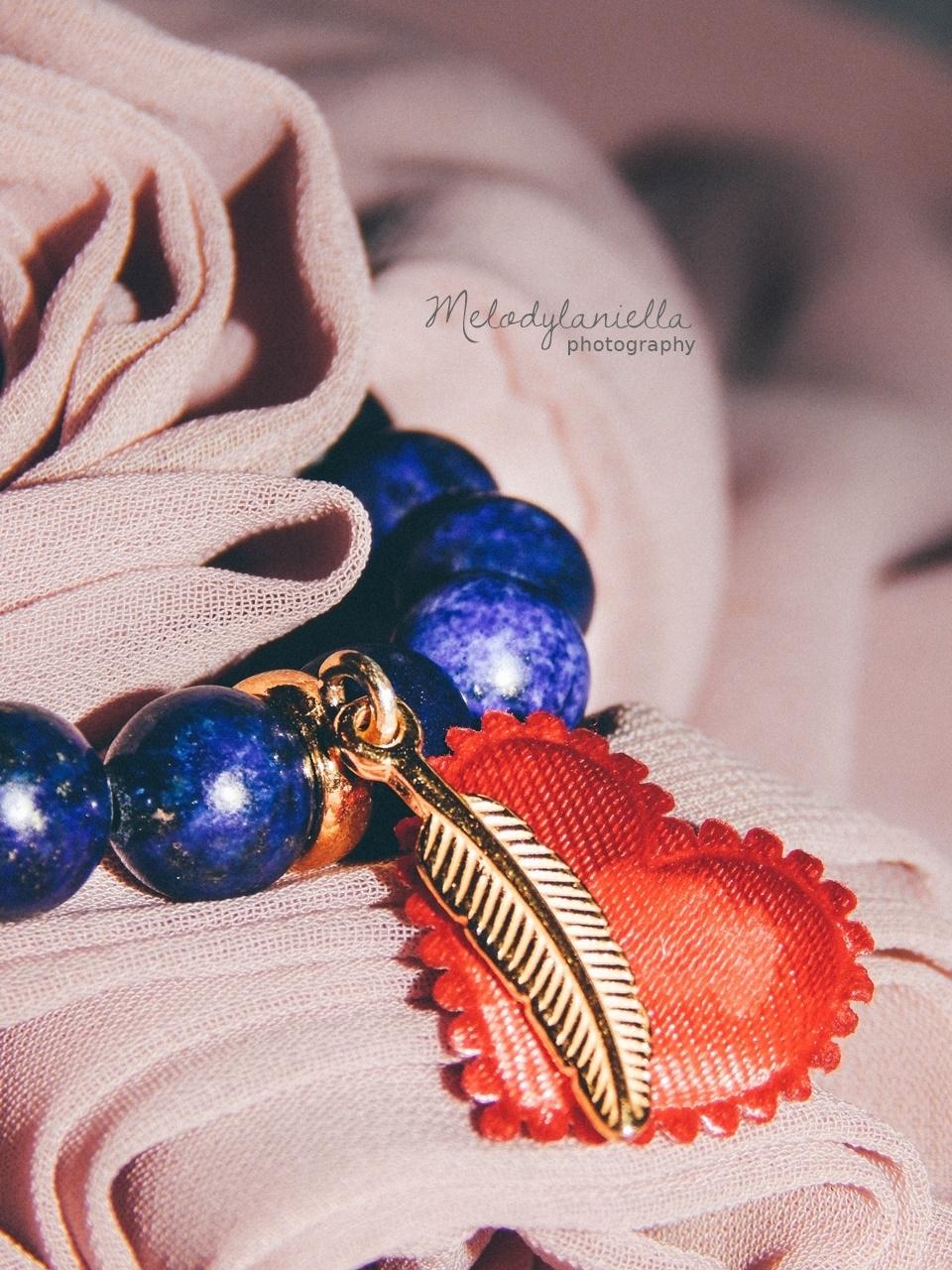 dzien kobiet prezent bransoletki dla kobiet bizuteria jewellery by Ana bizuteria bransoletki marmur charmsy 24k zloto skrzydla piórko marmur lapis lazuli
