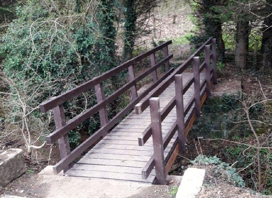 Image: The new footbridge at the east end of Essendon footpath 2 Image courtesy of the Hertfordshire Countryside Management Service