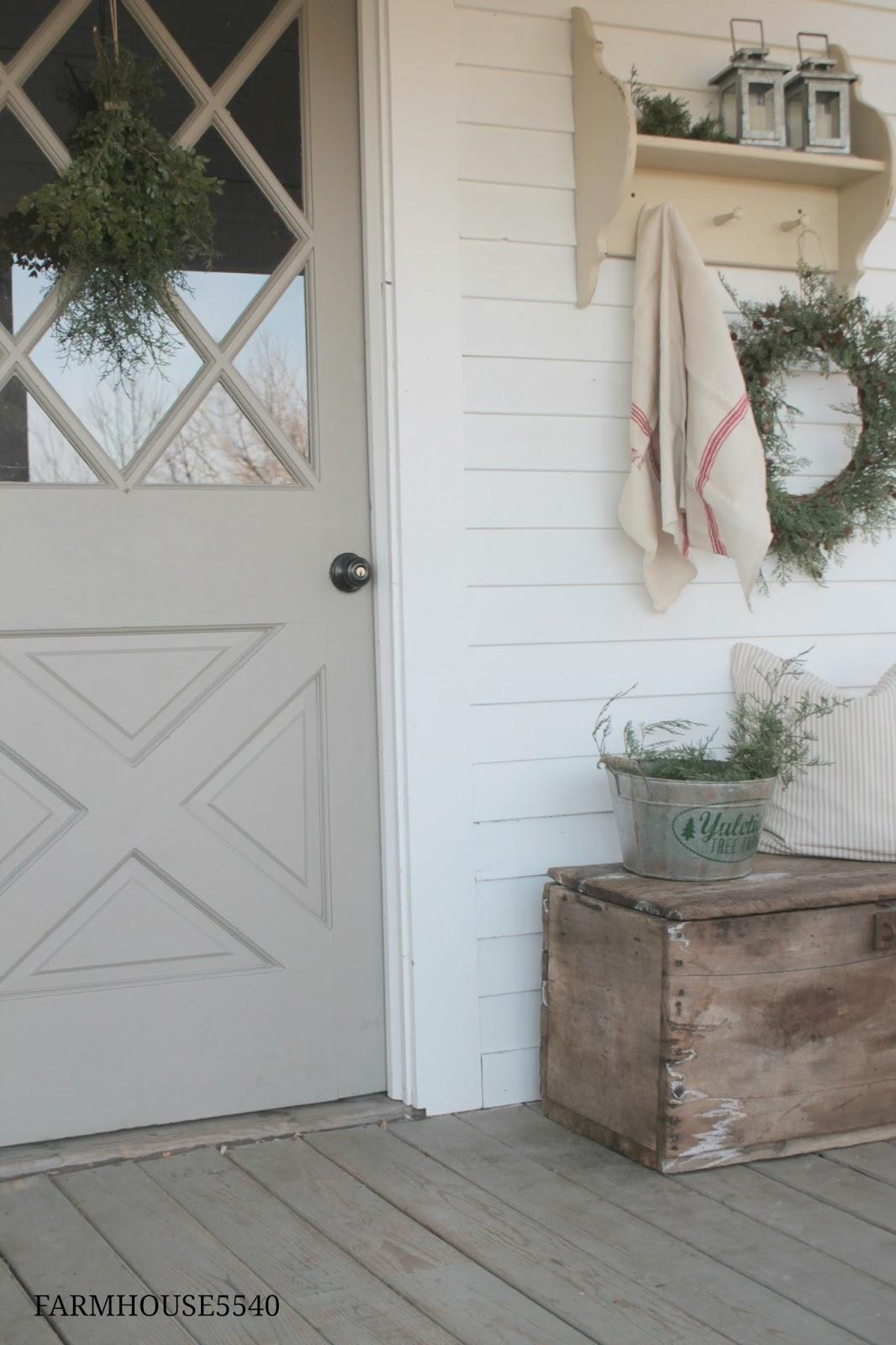 Farmhouse Front Door Ideas: FARMHOUSE 5540: Christmas Porch