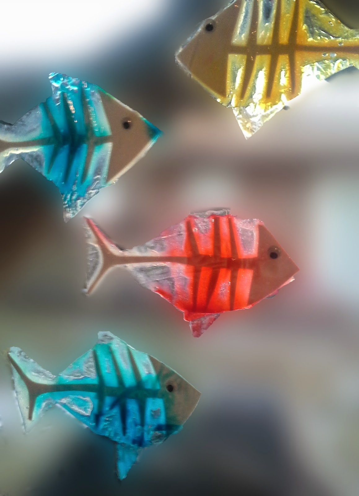 "X-ray fish activity: create ""fish skeletons"" and color them with food dye"