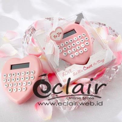 Souvenir Terbaru Yaitu LOVE Calculator Dengan Desain Heart Dan