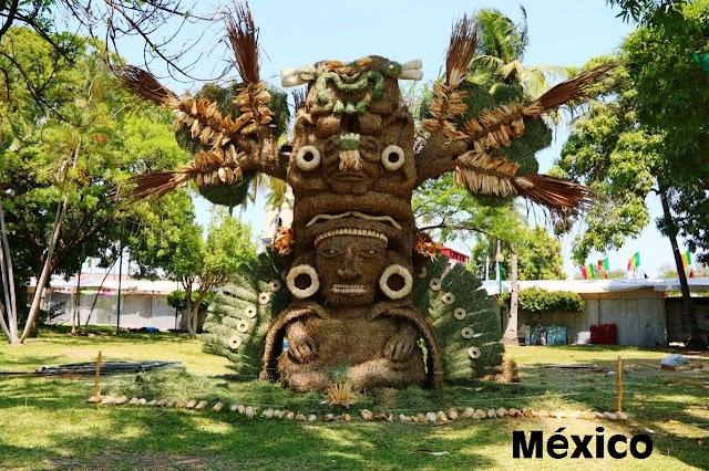 Artistas internacionales participan en el Concurso Internacional de Esculturas de Paja y Maíz en el FIV