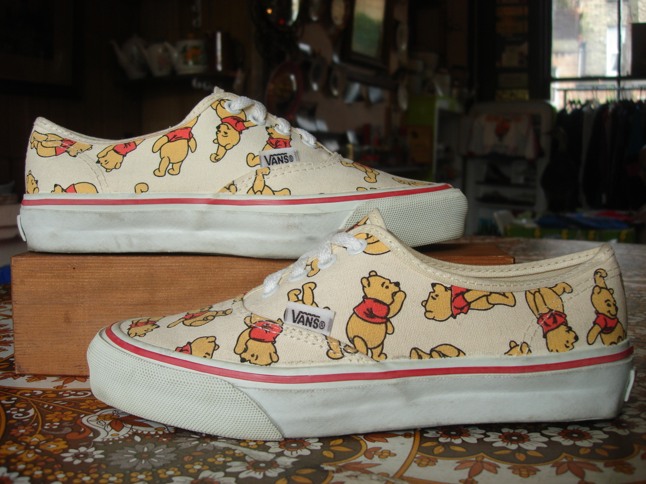 a1bd101b23 vintage DISNEY VANS winnie the POOH BEAR print style  44 authentic MADE IN  USA US6