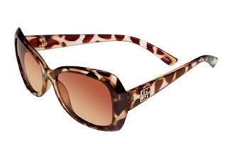 Gloria Ortiz lanza su glamurosa colección de gafas de sol