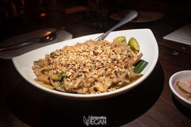 vegan pad thai camiguin