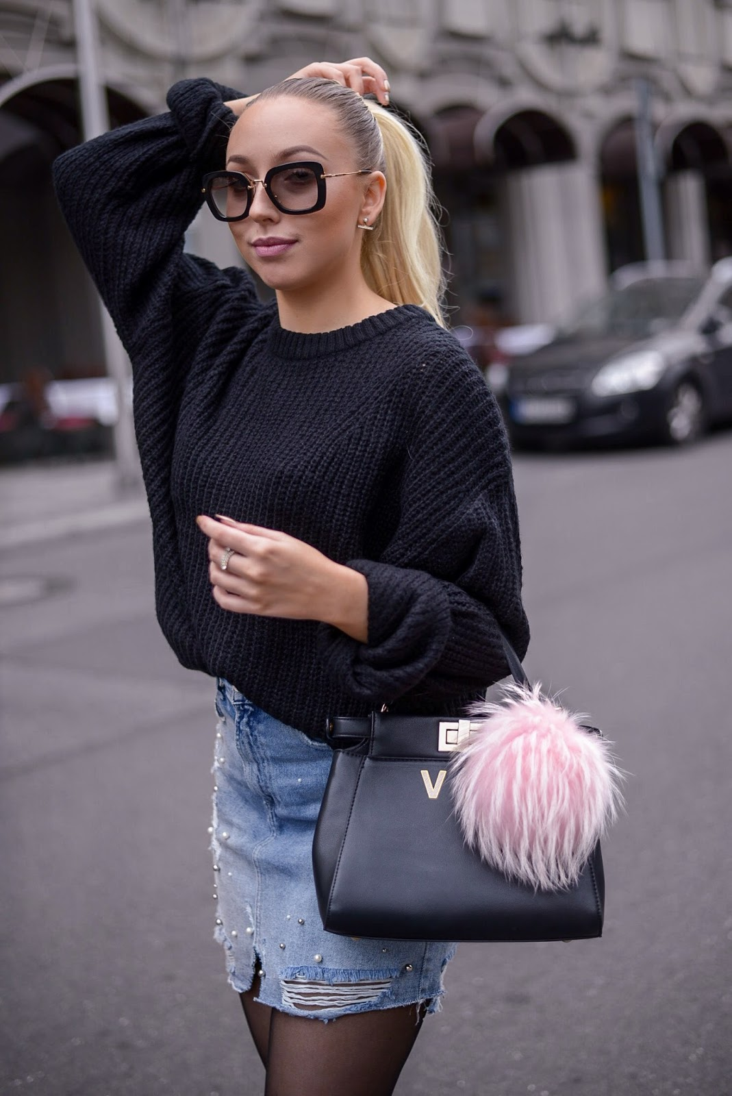 black chunky knit sweater_fendi peekaboo inspired bag_pink fur bag charm_fall looks