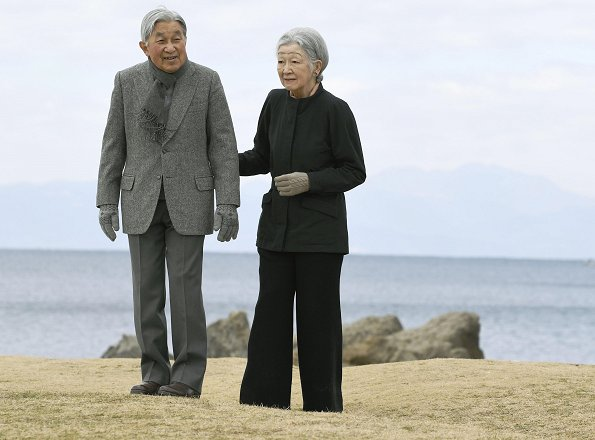 Emperor Akihito and Empress Michiko visited Hayama Imperial Villa in Kanagawa. Crown Princess Masako
