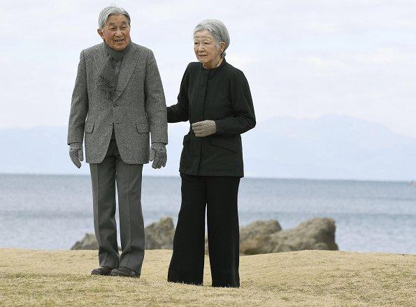 Emperor Akihito and Empress Michiko visited Hayama Imperial Villa in Kanagawa. Crown Princess Masako