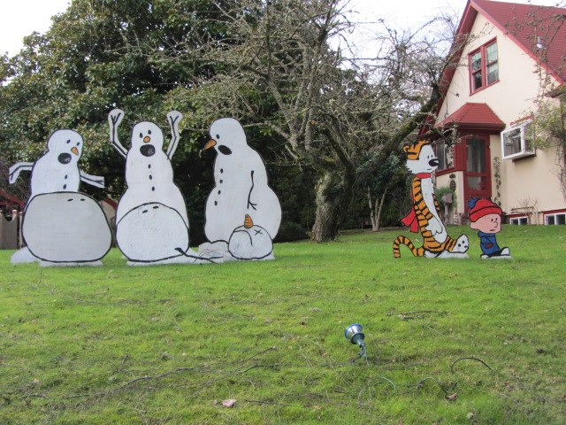 It S The Best Christmas Decoration Ever Real Life Calvin And Hobbes I M Strongly Considering Doing This Next Year In My Own Yard