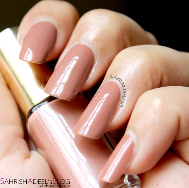 L'Oreal Colour Riche Nail Polish in 107 Beige Boheme - Review & Swatch
