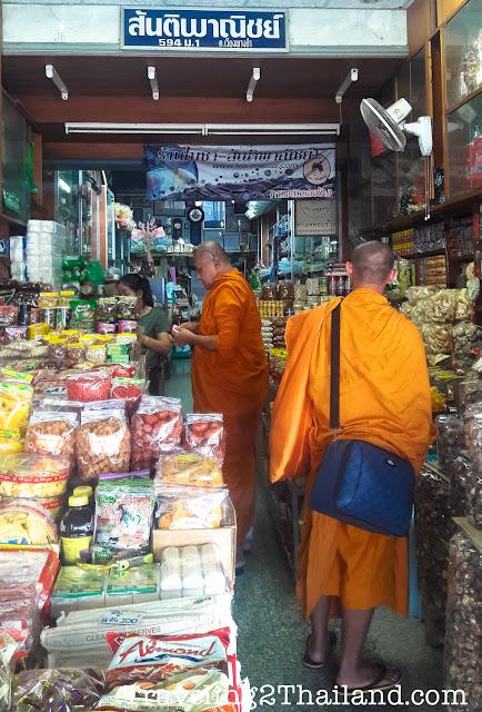 Monks shopping in Mae Sai - Thailand