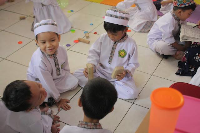 Gambar untuk Syarif Ar-Rasyid Terapkan Permainan Balok Untuk Anak TK