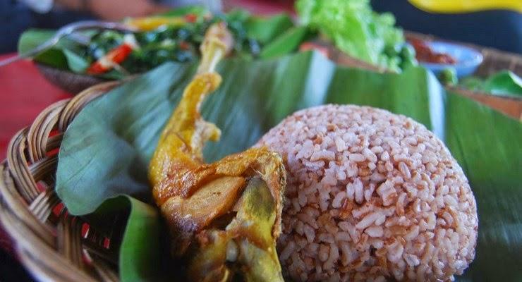 Ini Bahayanya Jika Sering Makan Mie Instan Campur Nasi