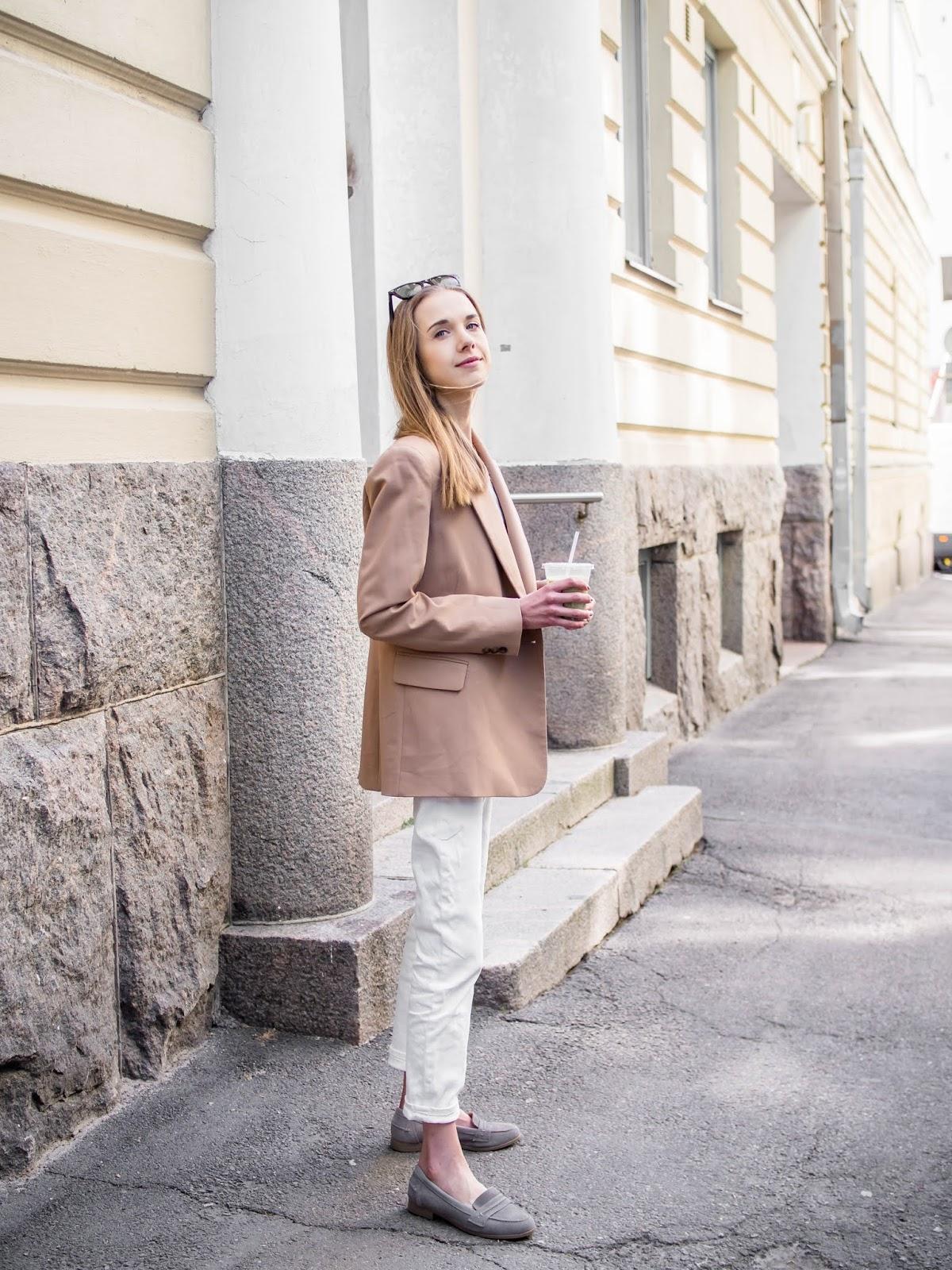 Light and neutral tonal outfit for summer - Vaaleat neutraalit värit, kesämuoti, bloggaaja, Helsinki