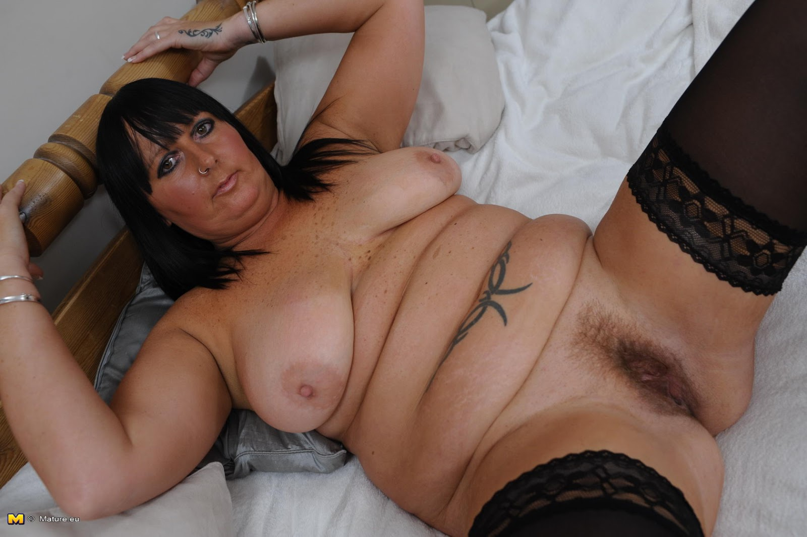 Naked Mature Women Hd