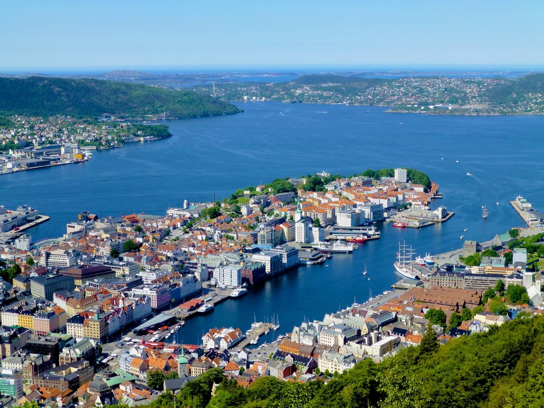 Vista de Bergen desde el Monte Fløyen