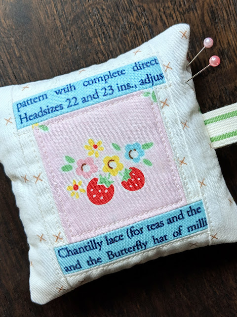 Spool Party Pincushion Tutorial by Heidi Staples for Fabric Mutt