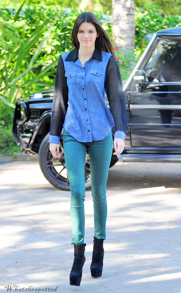 Kendall Jenner, street style, casual fashion, fashion, entertainment, whatshespotted, Indian fashion blogger