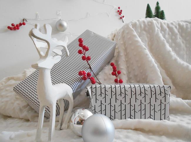 Árbol Navidad DIY con soluciones Command
