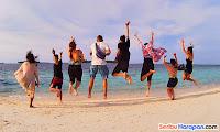 berjemur di pulau gosong dan paket wisata pulau harapan kepulauan seribu utara jakarta