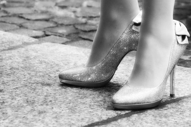 Tus zapatos de fiesta en la tienda online menbur.com